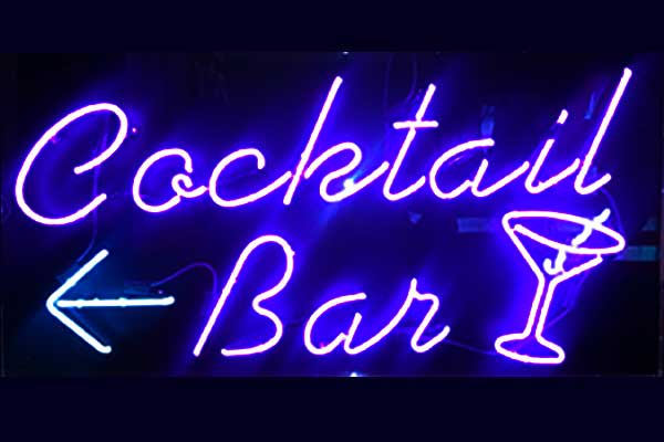 Neon cocktail sign for Buskers Bar Temple Bar Dublin